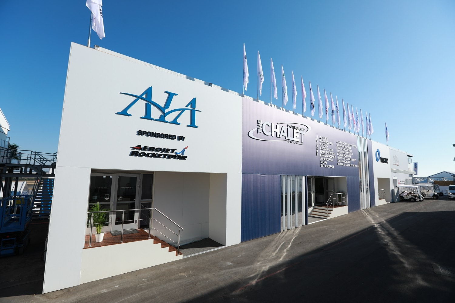 trade show corporate chalets